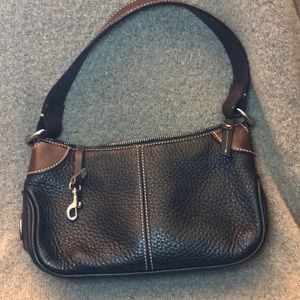 Classic Dooney and brourke all weather leather bag